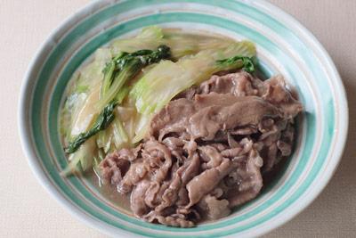 『シネマ食堂』と『かもめ食堂』の飯島奈美さんが作るセロリと牛肉の煮物