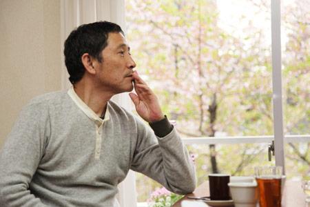 ほぼ日刊イトイ新聞 - 小林薫さんと、居酒屋ごはん。